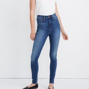Madewell High-rise Roadtripper Jeans